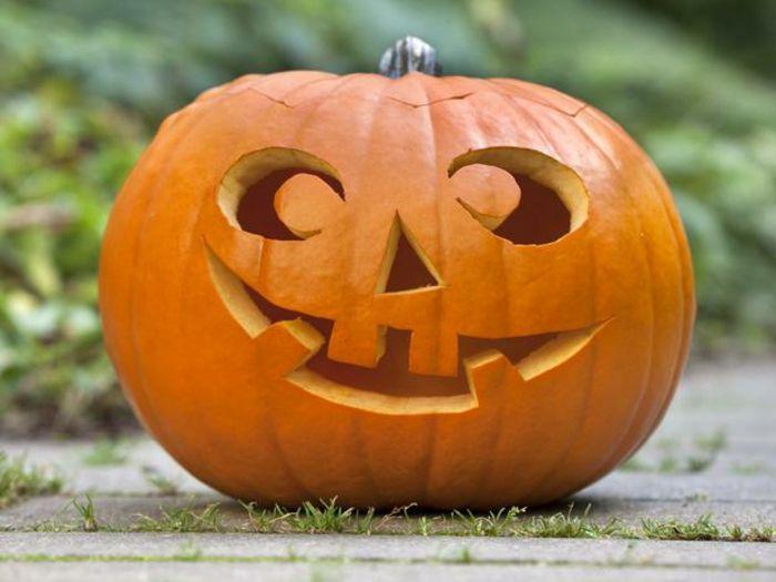 42 tolle Modelle Halloween Kürbisse! #pumkincarvingdesigns