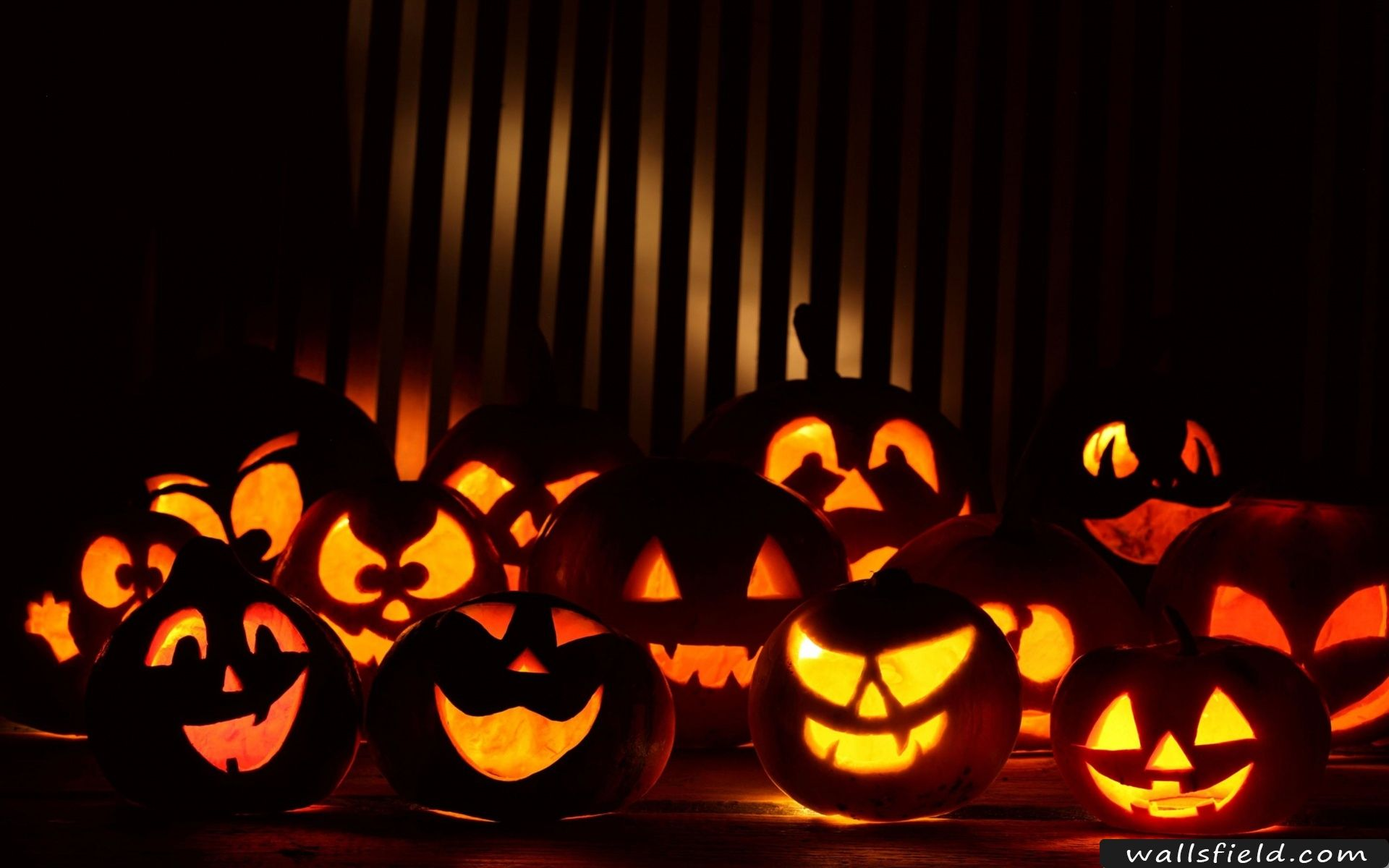 Happy Halloween Wallsfield Com Free Hd Wallpapers Scary Backgrounds Halloween Images Free Halloween Wallpaper