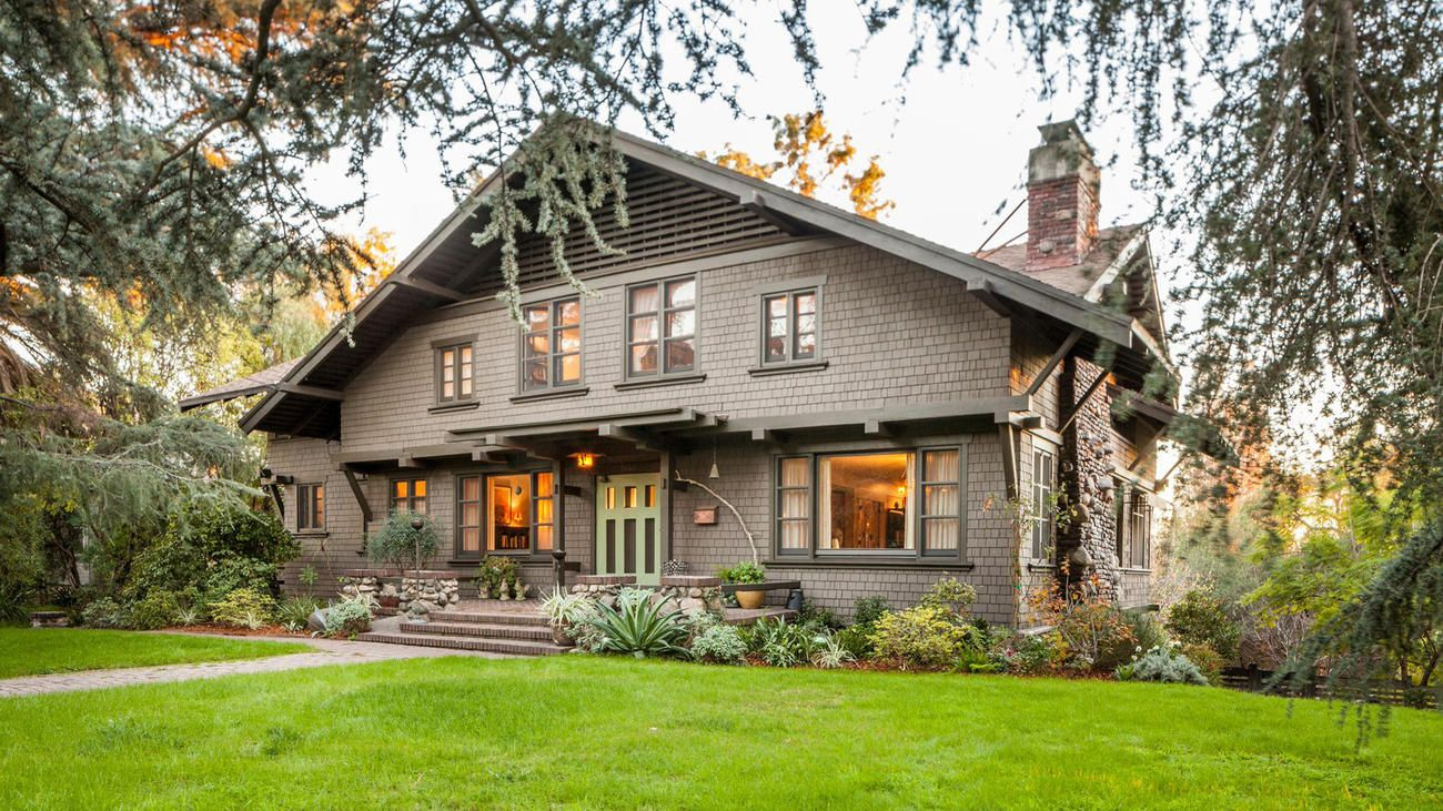Home Of The Day Greene And Greene Craftsman In South Pasadena Craftsman Style Homes Craftsman Exterior Craftsman House