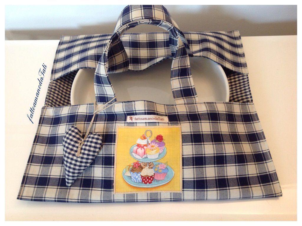 Porta torta in cotone a quadretti blu con appliquè dolcetti , by fattoamanodaTati, 20,00€ su misshobby.com