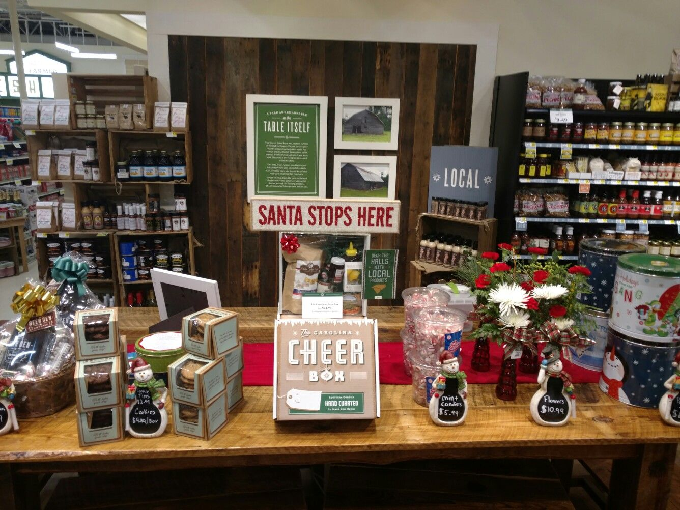Last minute gift ideas! Popcorn tins, flowers, Carolina
