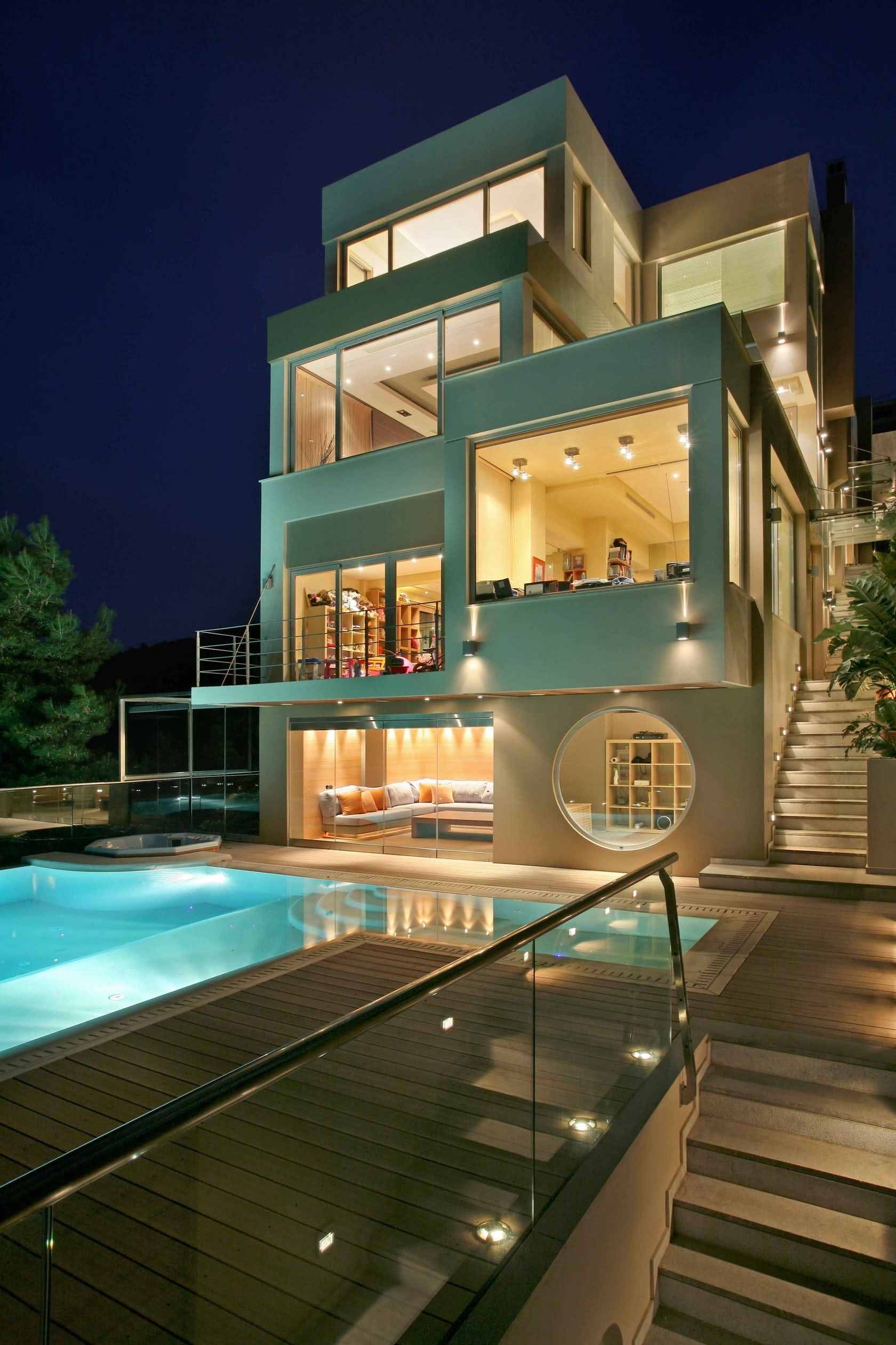 Modern villa of 515m2 with view to the mountain as well as the sea ...