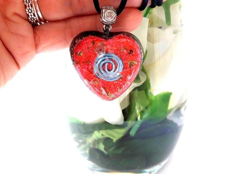 Colgante de Orgone flor de amor
