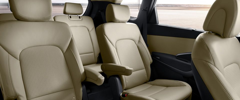 Captains Chairs On 2013 Hyundai Santa Fe With 3rd Row Seating (6 People  Total)
