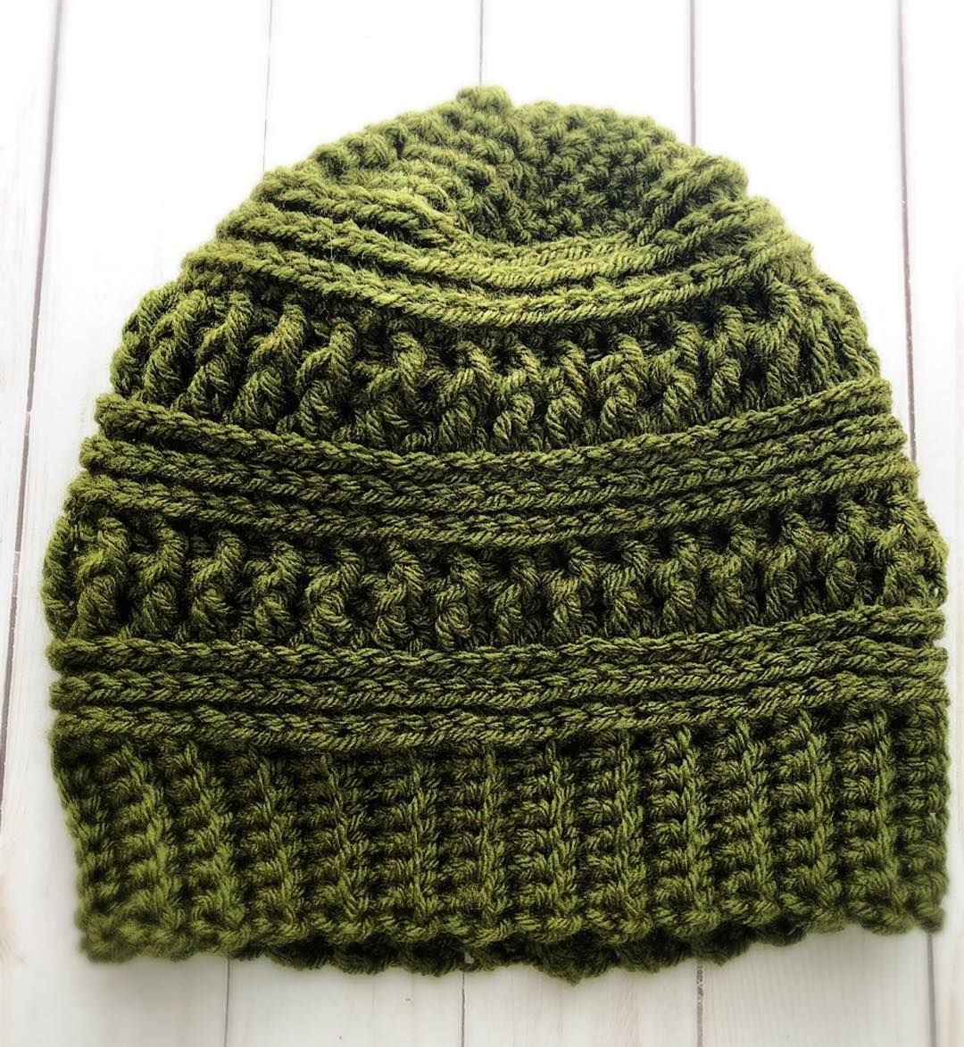 """... """"Originally I wanted to make a CC beanie copycat but found this  cute easy pattern! It just needs a fur pompom💚 I may have a hat-making  fever…"""" 72636defec5"""