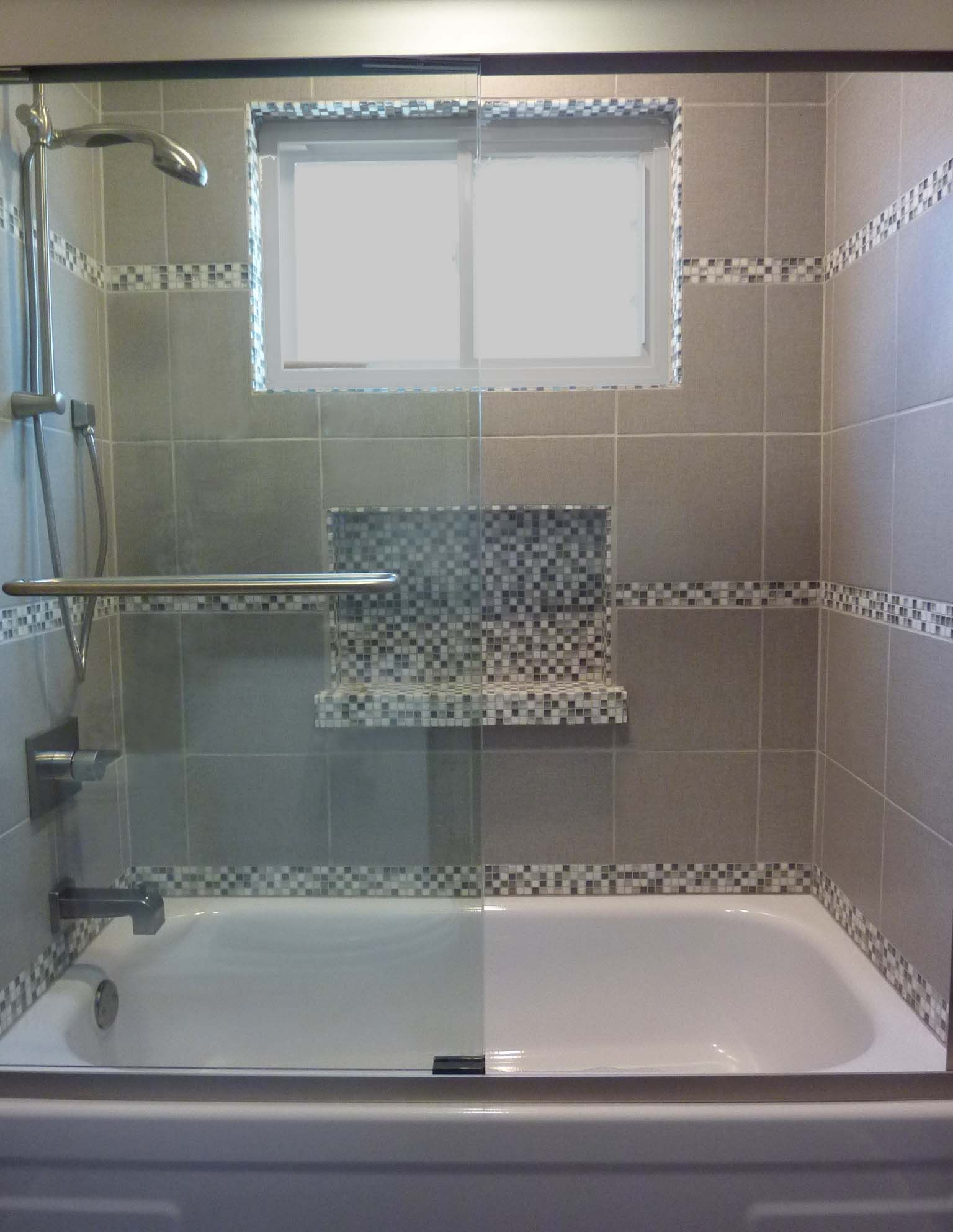 5 Phenomenal Bathroom Tile Combinations: Tub Shower Tile Surround With Glass Mosaic Niche