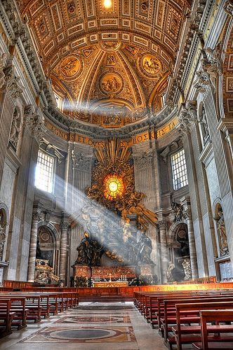 God S Beam Of Light In St Peter S Basilica Rome Italy Hdr Cathedral Italy Places To Travel