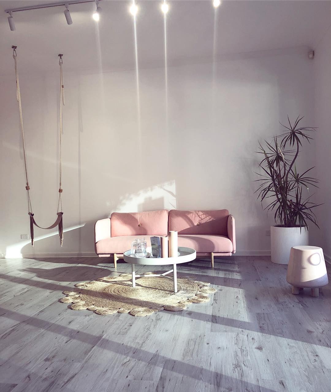 WAiting area, salon waiting area, salon design, salon furniture ...