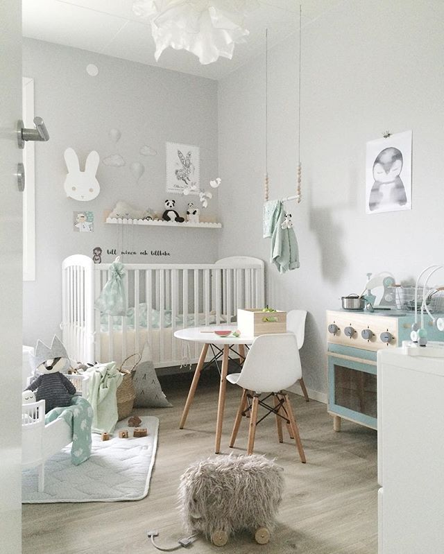 Babyzimmer weiß grau  Instagram Photo by camilla (@countersample) | Babyzimmer, Mint und ...