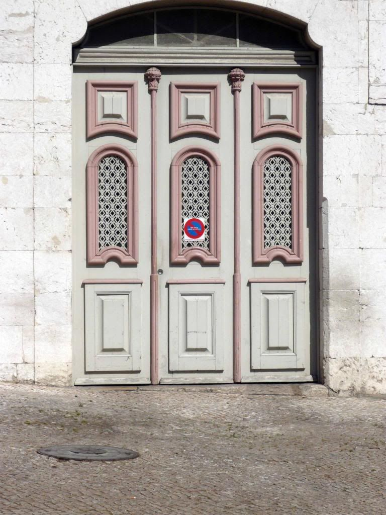 Door from a former carriage entrance, Palácio do Marqueses de Lavradio, Lisboa, Portugal