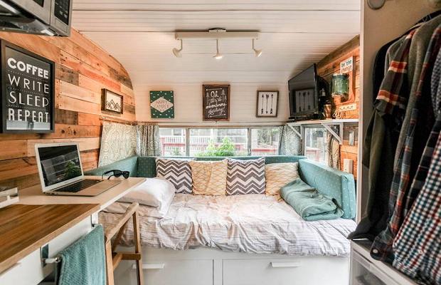 r sultat de recherche d 39 images pour jardin caravane. Black Bedroom Furniture Sets. Home Design Ideas