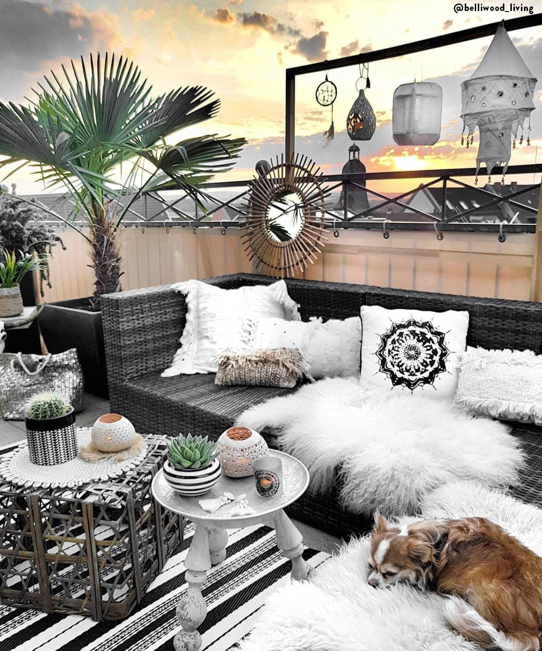 Le balcon est l'endroit idéal pour profiter de l'été en ville ...
