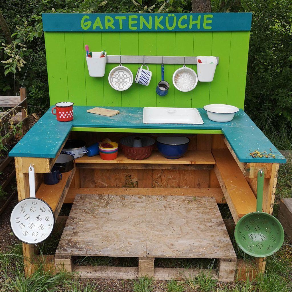 Kinderkuche Aus Paletten Naturnah In 2020 Kinderkuche Kinderkuche Selber Bauen Kuche Aus Paletten