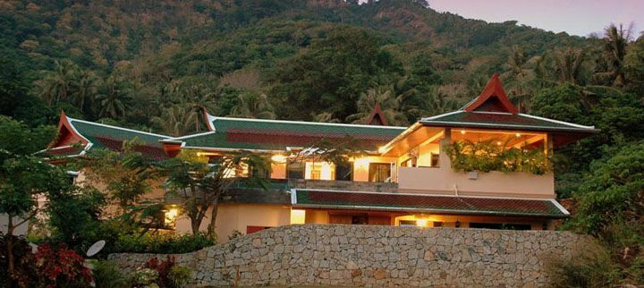 Our private villa provide you luxury villas with master bedrooms, bathrooms, kitchen with fantastic views and these villas are located a few minutes away from beautiful beaches like Patong beach, Kata beach.