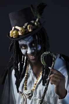 How to make a Papa Legba costume. Such an intense character, perfect for Halloween and the best party is that the costume is really easy to DIY.