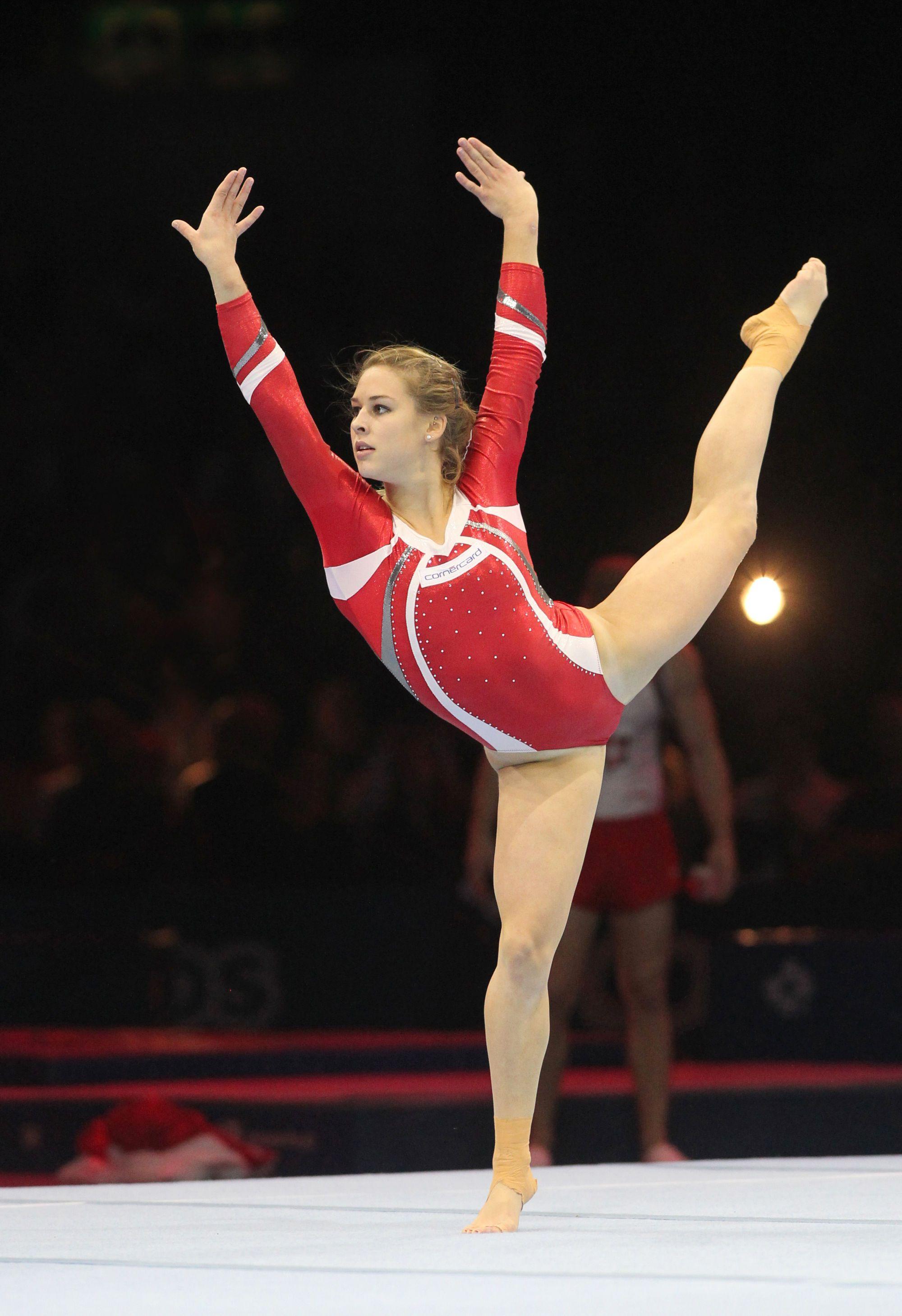 Giulia Steingruber (2000×2918) Gymnastics, Gymnastics