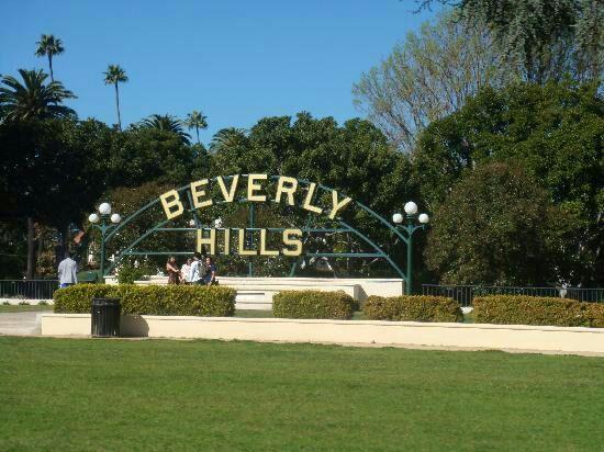 Bienvenido a Beverly Hills, en Costa Oeste.