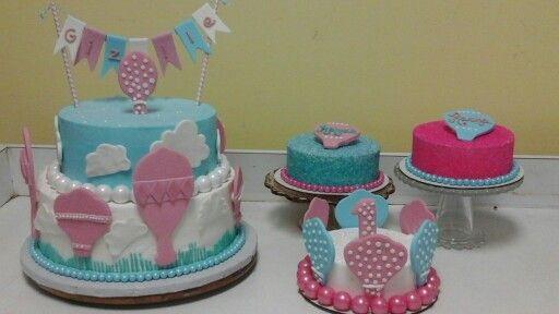 Hot air balloon  theme  cakes  for  1st  birthday