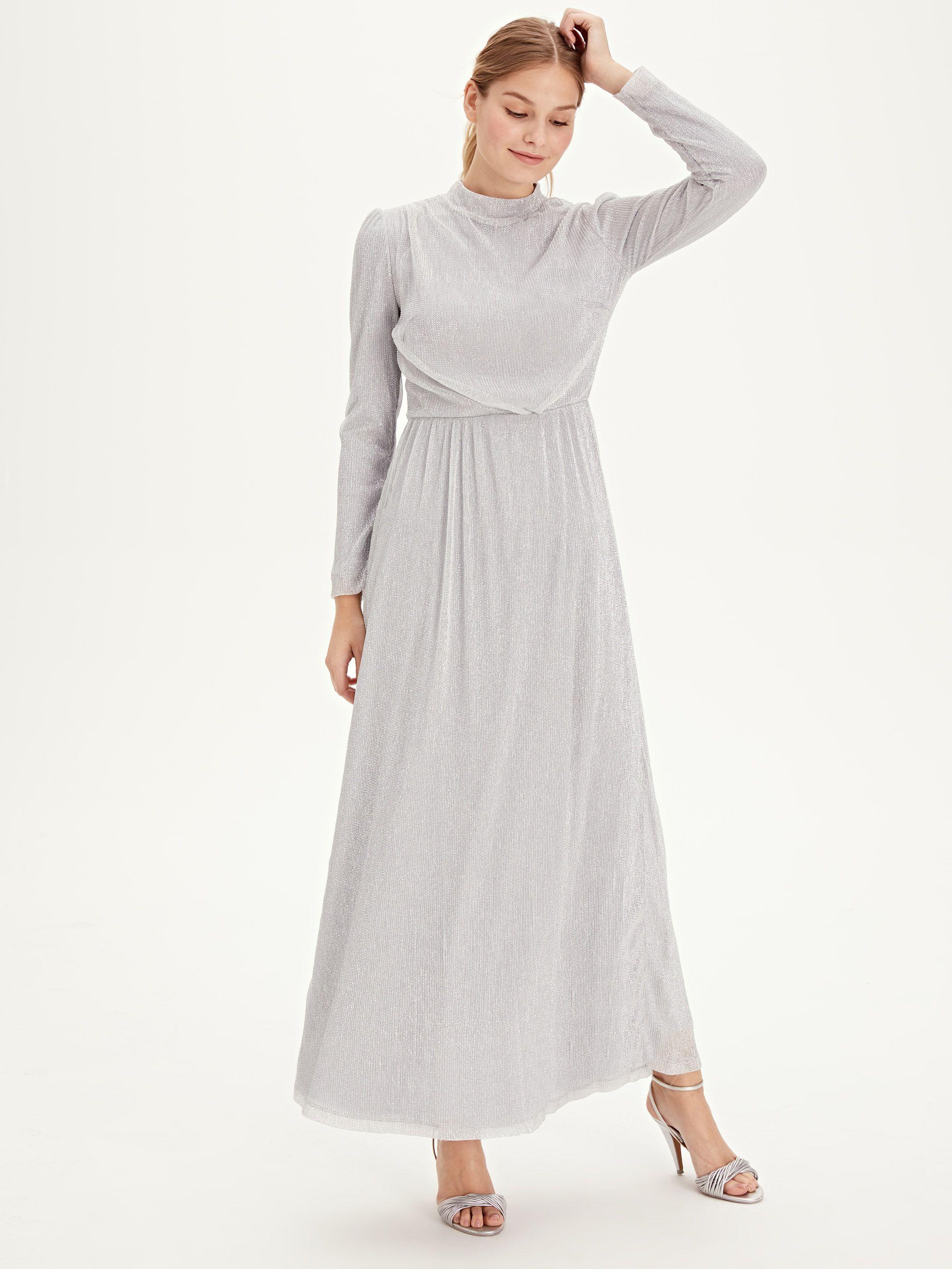 Gri Isiltili Uzun Sifon Abiye Elbise Lc Waikiki 2020 Elbise The Dress Elbiseler