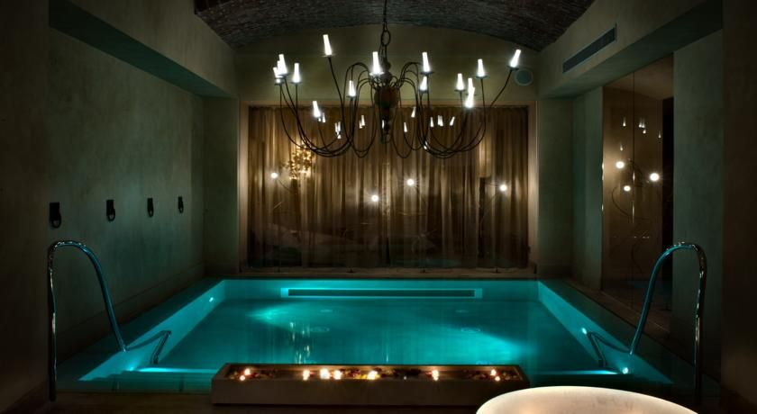 Booking Com Otel Chateau Monfort Milan Italiya Progettazione