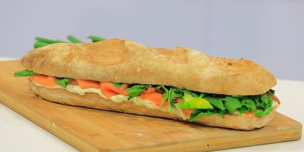Cbc Sofra طريقة تحضير باجيت بحشو السلمون المدخن و الجبن رانيا الجزار Recipe Recipes Food Sandwiches