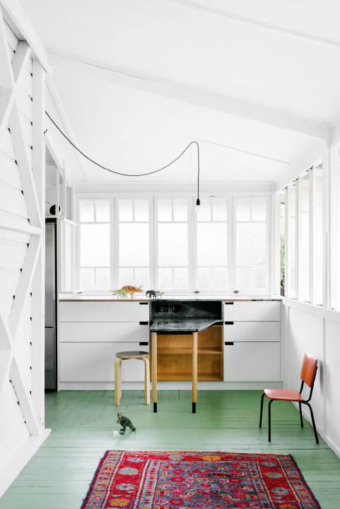 A beautifully simple home with green floors | Kitchen / dining ...