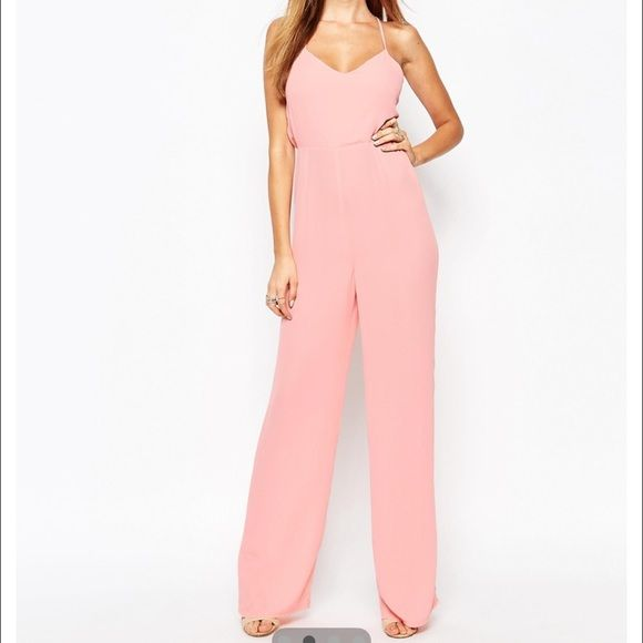 Missguided tie back jumpsuit Peach colo ⭕️NO MODELING PLEASE⭕️ uk8/us4 retail price is $60 Missguided Pants Jumpsuits & Rompers