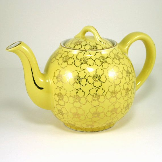 Hall 12cup French Flower Gold Teapot By Zoedesignsvintage On Etsy Tea Pots French Flowers Cup