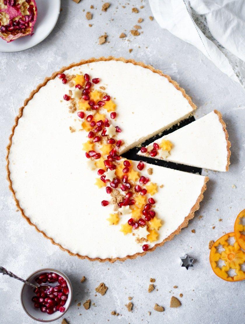 Photo of Marzipan-Panna-Cotta-Torte mit Fruchtsternen und Granatapfel – für Silvester