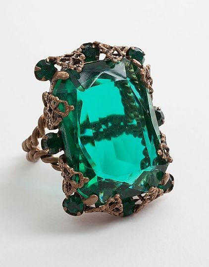 oooohhhhhh - me likey!!!    a-current-affair_vintage-green-czech-glass-ring_a_MG_9349.jpg