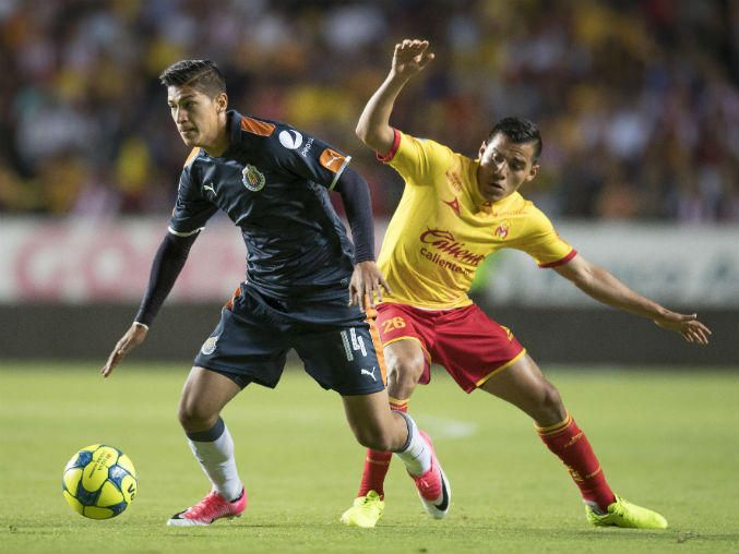 ÁNGEL ZALDÍVAR PIDE APRENDER DEL EMPATE ANTE MORELIA 'Faltó generación de jugadas', dice sobre el duelo que le costó el liderato a Chivas. Afirma que ahora están concentrados en la semifinal de Copa ante Monterrey.