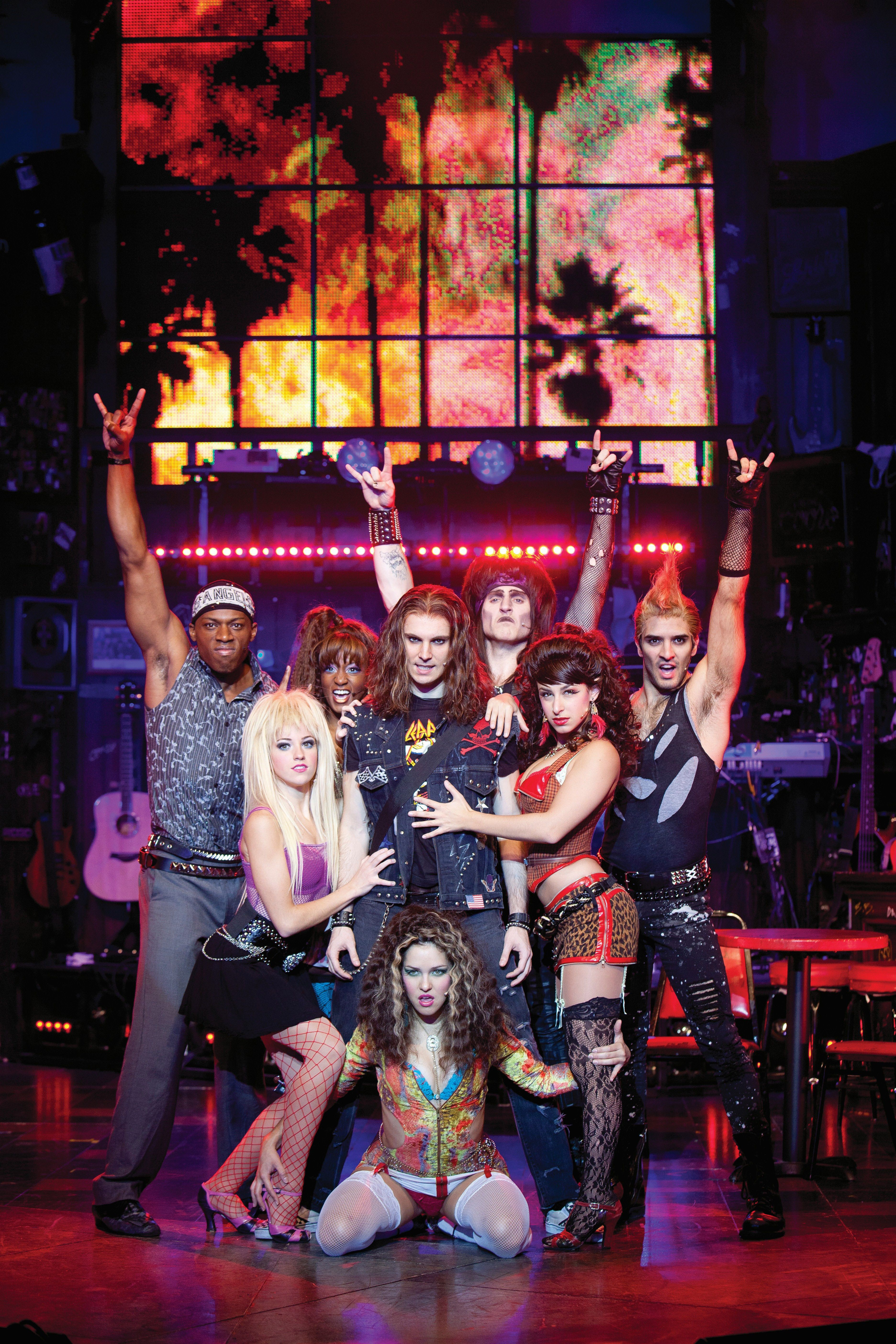 Exklusiv An Bord Der Norwegian Breakaway Konnen Gaste Das Funf Mal Fur Den Begehrten Tony Award Nominierte Broadway Musi Rock Of Ages Rock Of Ages Musical Rock