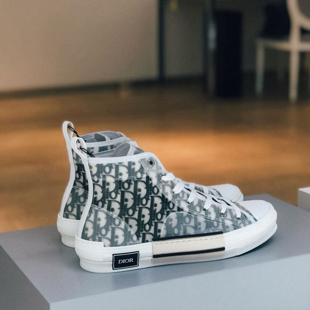 Dior Homme SS19 Sneakers  PAUSEorSkip    Spring Summer 2018 Outfit ... 758363eba74