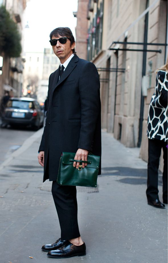 Love the bag! It's so chic!