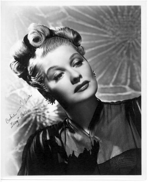 Lucille Ball looking ravishingly elegant during the 1940's. #I_love_Lucy #Lucille_Ball #vintage #actresses #1940s #Hollywood #movies #forties #stars