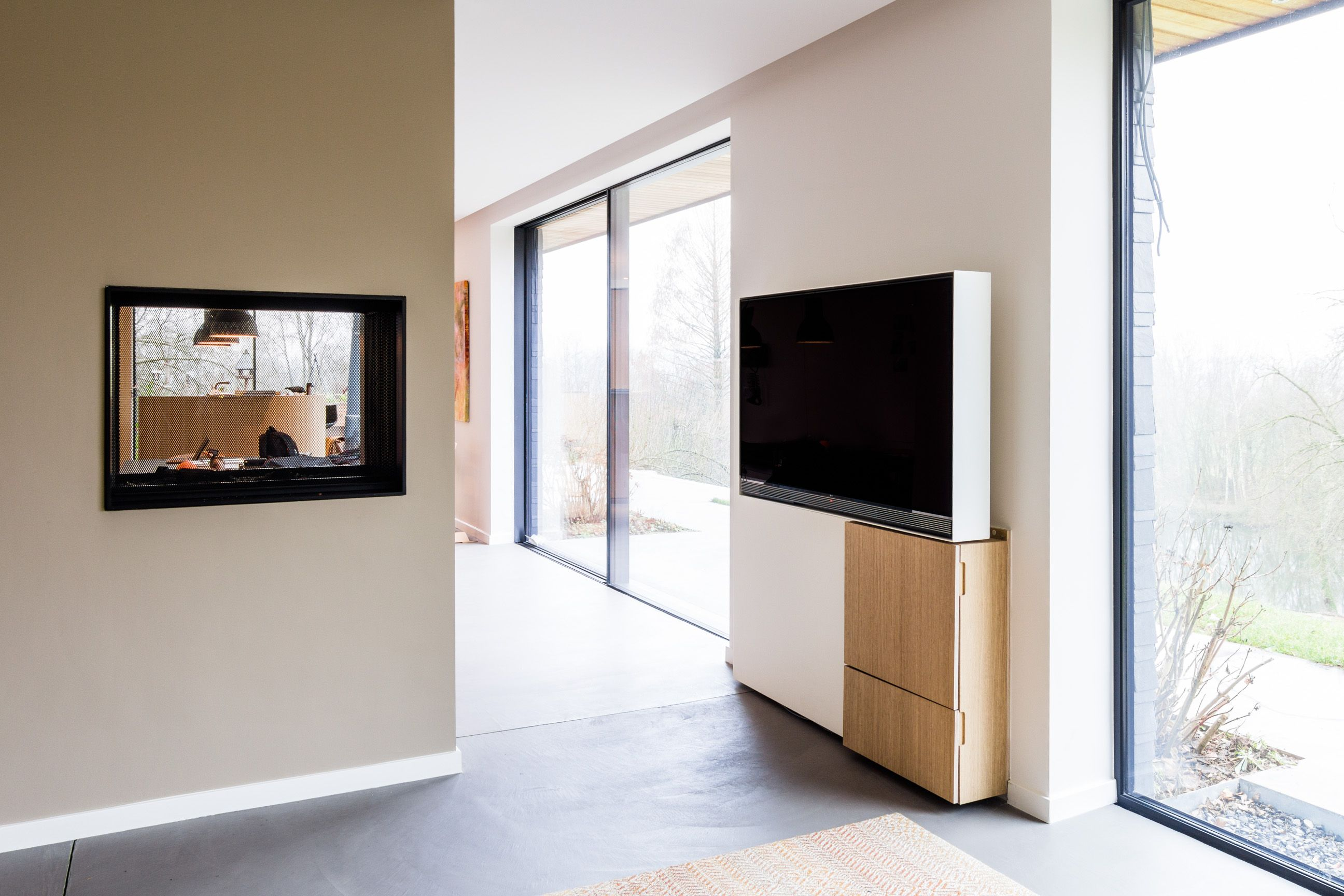 Meuble Tv Pivotant En Acier Et Bois Pivoting Tv Set Made Of Steel