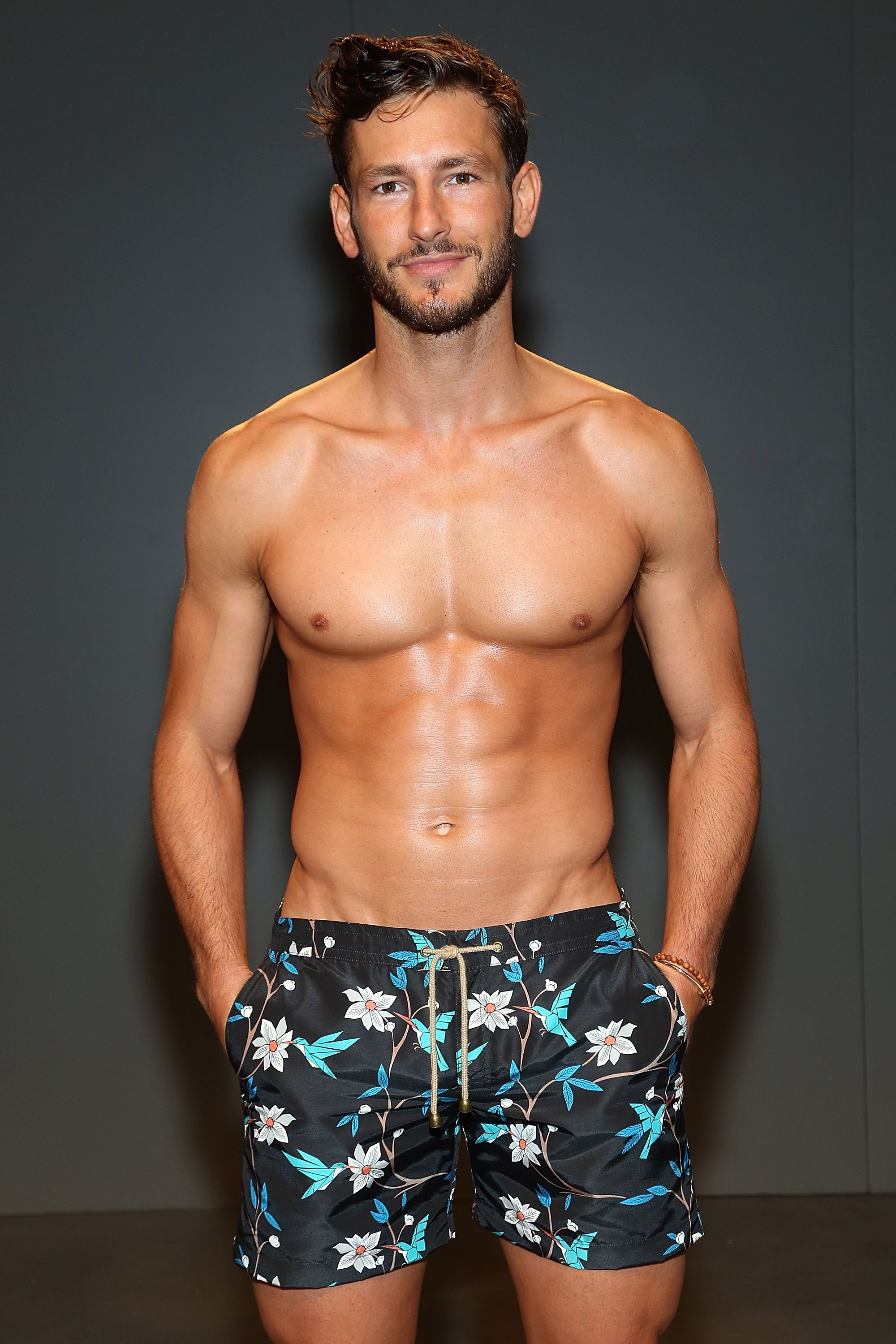 28 Ridiculously Hot Shirtless Male Models-4074