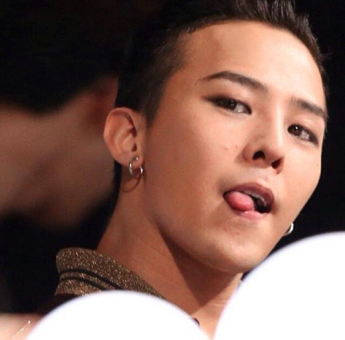 Gd Sticking Out His Tongue And Cute Pimples Credit By Ruby Kwon Jiyong K Pop Korea Song Kwonjiyong Eyes Makeup