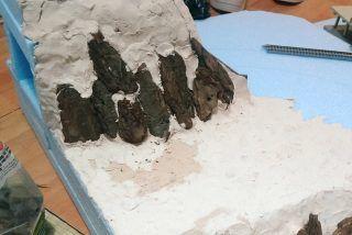 崖 山 岩の作り方 百均素材を活用して 低予算で簡単に作れる