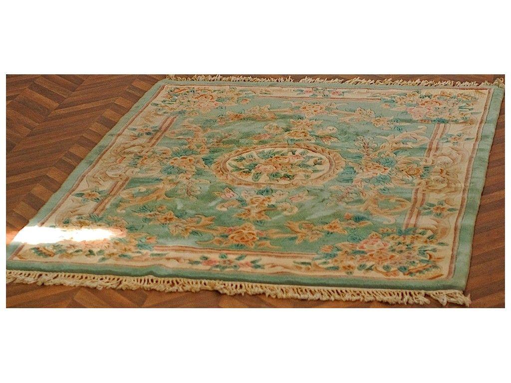 tapis style ancien