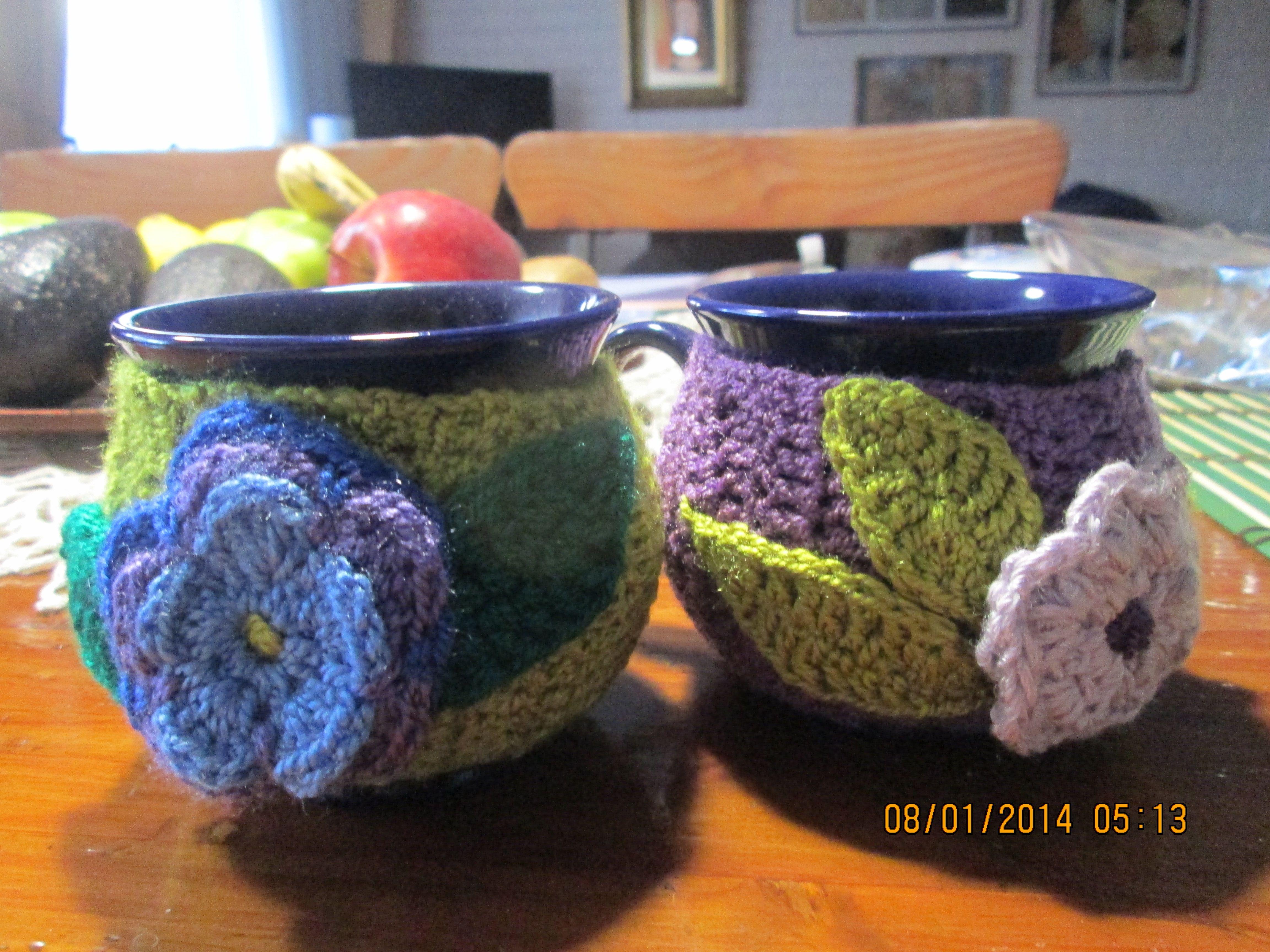 Tazones forrados con tejido a crochet y aplicaciones de flores y ...