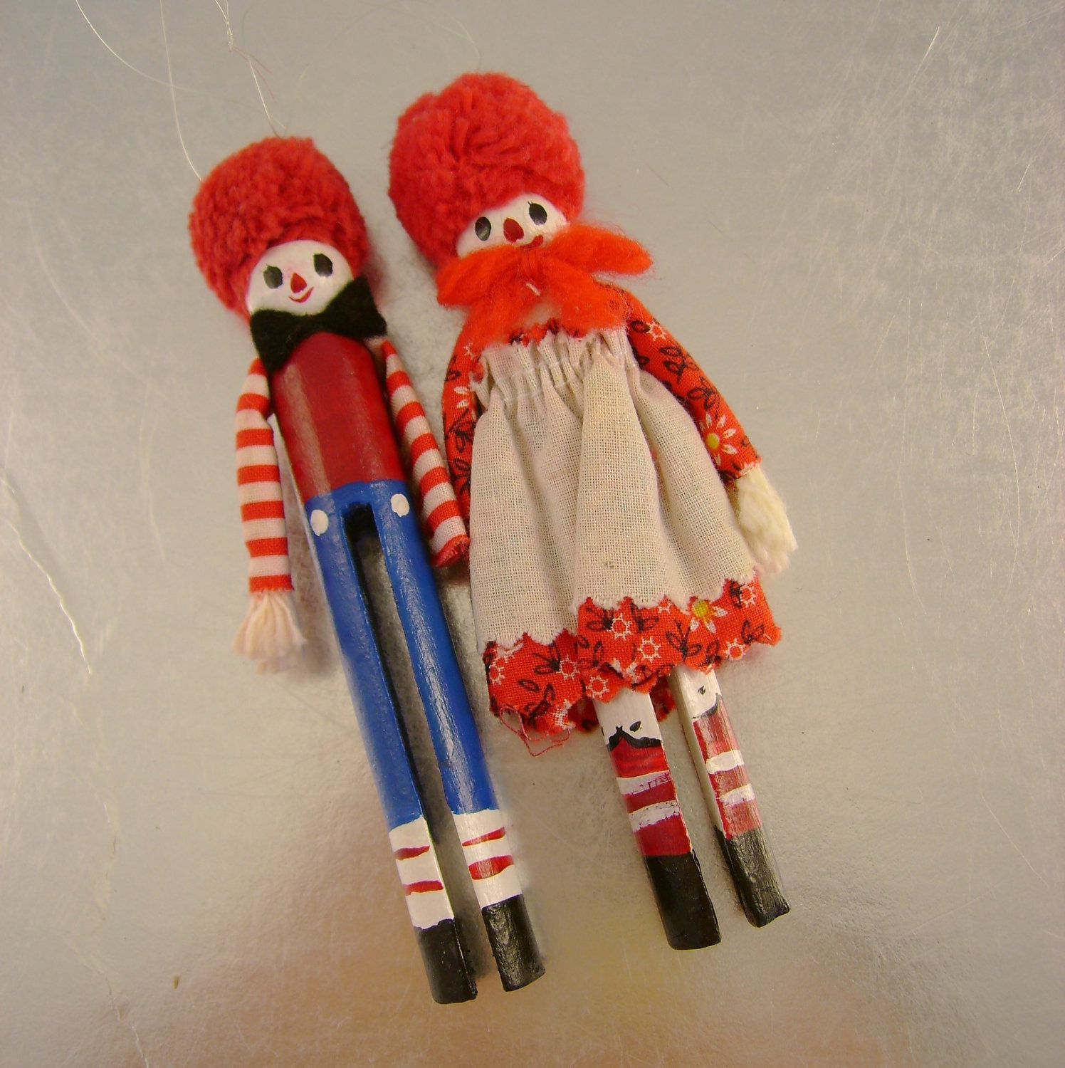 Extremely Cute Little Vintage Raggedy Ann And Andy Hand Made Clothespin Ornaments Raggedy Ann
