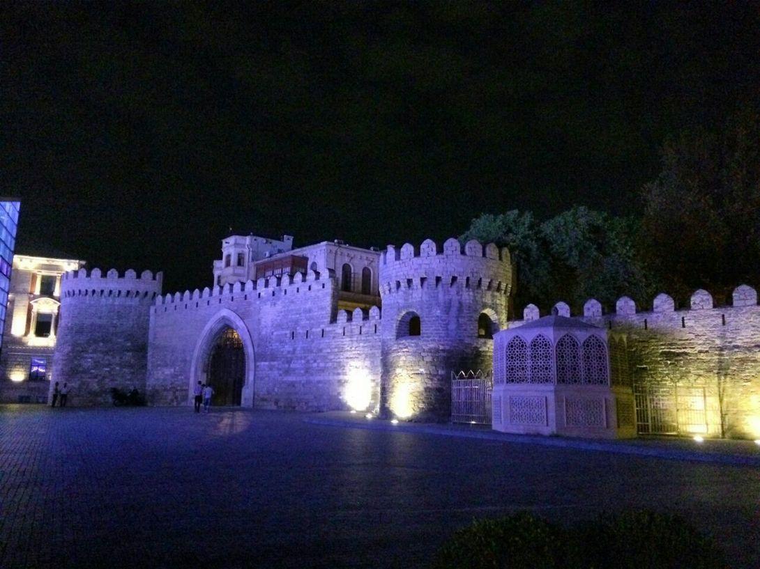 Staraya Krepost Azerbajdzhan Baku Puteshestviya Krasivye Mesta Gorod