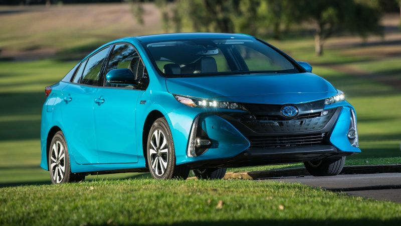 The techie choice 2017 Toyota Prius Prime Quick Spin