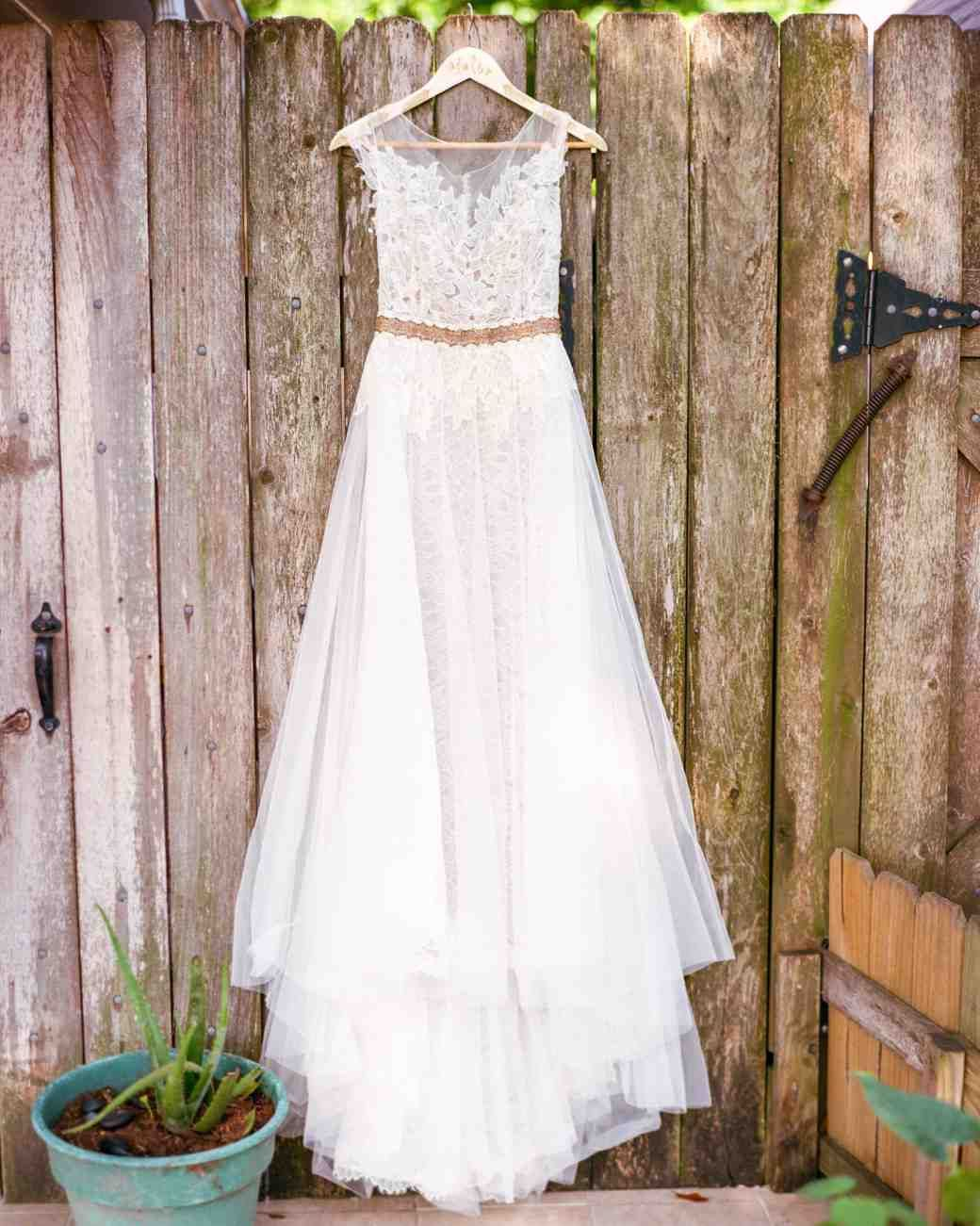 346c4bcc622 The Best Wedding Dress Shopping Tips