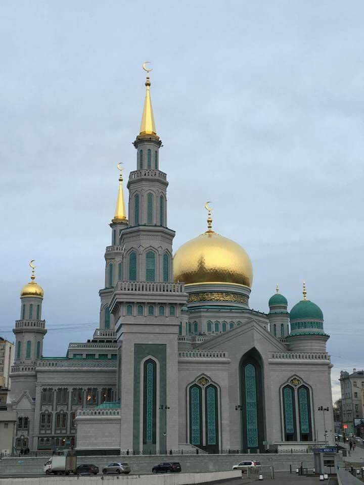 Russia opens a new beautiful Mosque to promo interfaith harmony.