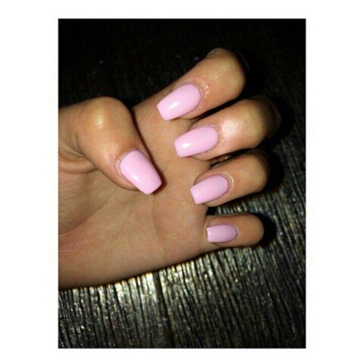 Madison Beer pink nails ♥♥♥♥♥   Beauty   Pinterest   Madison ...
