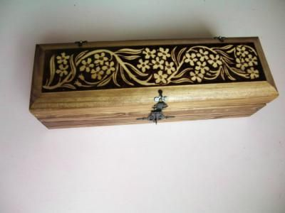 recipiente para botella de vino caja decorada madera pirograbado