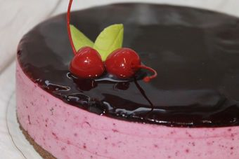 Blackcurrant Jelly Cake, Uudenmaan Herkku, Finnish Bakery, March 2016