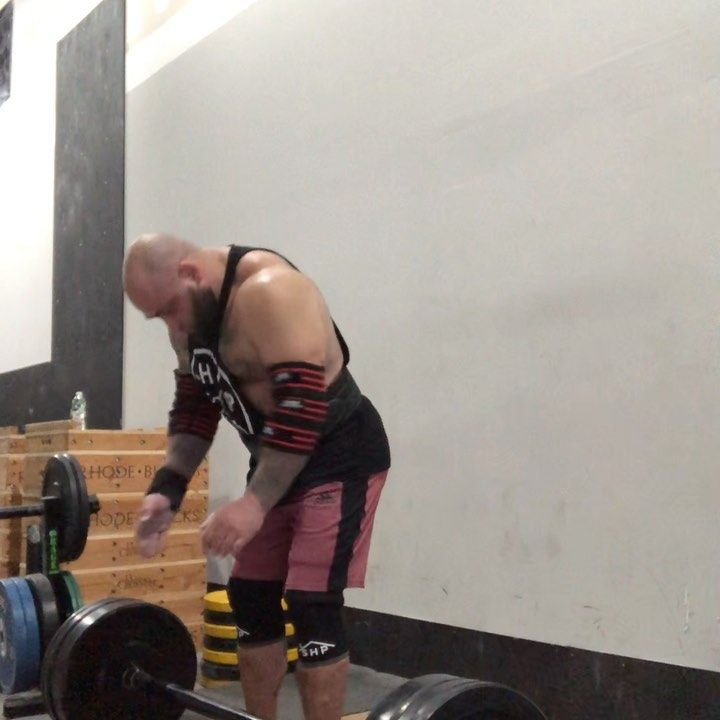 Photo of First time doing an axel press. 180x2x5. Log press top set 200×3. Don't ask me…